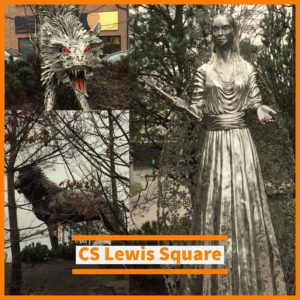 CS Lewis Square Sculpture of The White Queen