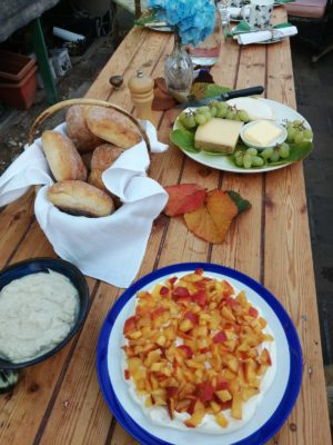 Al fresco picnic